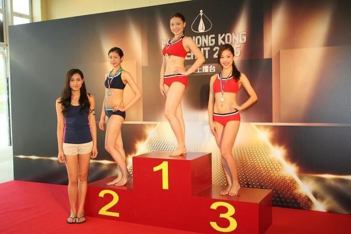《2015香港小姐竞选》水上擂台 林凯恩脚抽筋险遇溺图片