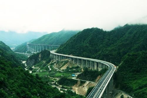 四川雅西高速公路,四川天路,四川云端上的公路 四川景点介绍